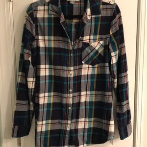Old Navy Classic Shirt in Plaid